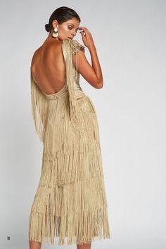 Vestido MATILDE CANO Flecos Ocre 6593 Matilda, Black Wedding Dresses, Dream Dress, Mother Of The Bride, What To Wear, Evening Dresses, Fashion Looks, Gowns, Bridal