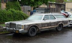 Curbside Classic: 1975 Ford Country Squire – The Car That Made Di-Noc Millions Ford Ltd, Old Fords, Ford Motor Company, Station Wagon, Vintage Cars, Country, Wheeling, 1970s, Middle