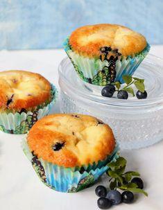 Paperivuoka: Mustikka-juustokakkumuffinit Muffin, Breakfast, Food, Morning Coffee, Essen, Muffins, Meals, Cupcakes, Yemek