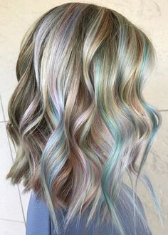 Here you can find some great hair color ideas for 2017. On of them is celebrity inspired pastel hair color for gorgeous women that you can also try in 2017.