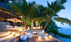 Das paradiesische Luxusresort North Island mit seinen unzähligen Palmen und vier weißen, herrlichen Badestränden ist ein Ort absoluter Ruhe und Erholung. Exklusivität und garantierte Privatsphäre in traumhafter, tropischer Umgebung auf einer Privatinsel.