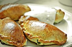Pieczone pierogi ze szpinakiem i serem feta