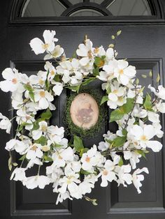 Pretty white flower Easter and Spring wreath!
