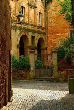 Ancient, Orvieto, Italy photo via tanisha