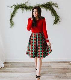 Merry Christmas Eve! ❤️❤️ Hope you are all spending time with the ones you love! #lularoe #lularoemadison #lularoeelegantcollection #lularoeelegant #lularoekatelyndehart