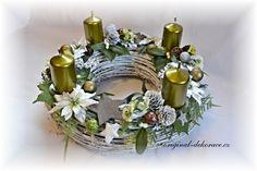 Vánoční (adventní věnec) - bílé proutí, zelenobílý