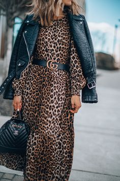 The 35 Leopard Dress You Need for Spring Cella Jane Leather Jacket Dress, Winter Dress Outfits, Moda Vintage, Leopard Dress, Mode Hijab, Look Chic, Autumn Winter Fashion, Fashion Looks, Cella Jane