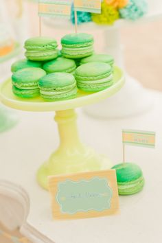 Ombre Macarons: Mix lime and aqua colors for better effect! great for bottle cap jewelry, glass tile jewelry & fridge magnets too! #ecrafty