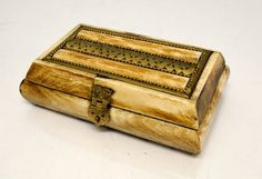 Vintage Camel Bone Keepsake Box - Trinket Box - Jewelry Box - Camel Bone and Brass Antique Boxes, Keepsake Boxes, Trinket Boxes, Antlers, Camel, Jewelry Box, Decorative Boxes, Brass, Antiques