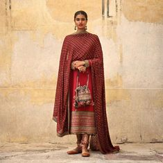 2019 Sabyasachi Charbagh Bridal Lehenga collection has a bunch of traditional red wedding lehengas, some gorgeous destination wedding outfits + lots more. Indian Designer Suits, Indian Fashion Designers, Indian Suits, Indian Attire, Indian Wear, Pakistani Dresses, Indian Dresses, Sabyasachi Suits, Salwar Suits