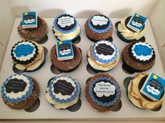 The fault in our stars cupcakes ! This is what I want for my birthday !!!