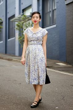 NoraFinds | Vintage Blog Vintage Blogger Sydney |  Vintage blue dress