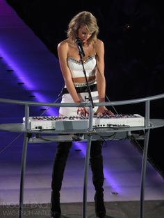 Taylor performing Love Story during night one of the 1989 World Tour in East Rutherford 7.10.15