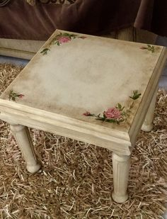 Small Table painted with chalk paint Annie Sloan
