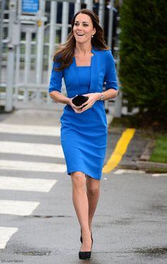 Kate Middleton wearing her blue L.K. Bennett Detroit dress Abiti Da  Cocktail cf6d032cb4a