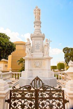 The Colon Cemetery - Cementerio de Cristóbal Colón