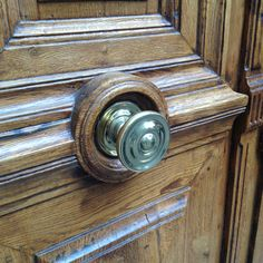 Center door knob and mail slot France | Hardware Fittings ...