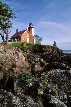 ✮ Eagle Harbor Lighthouse on Rugged Lake Superior Shore in Eagle Harbor, Michigan