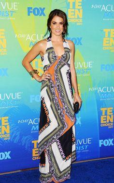 Ontem rolou o 2011 Teen Choice Awards. Separei as fotos começando pelos meus looks de red carpet favoritos e terminando nos que menos gostei. A produção da Kourtney, minha queridinha entre as Kardashian, foi a que mais gostei. Fiquei um pouco decepcionada com a Blake Lively, mas amei o scarpin! E por aí vai. E …