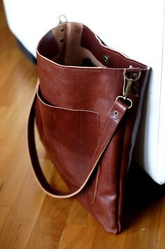 Leather shoulder bag  Unisex leather tote  by Creazionidiangelina, $180.00