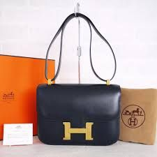 Hermes! Balenciaga Designer, Chanel Designer, Hermes Constance Bag, Everything Designer, Louis Vuitton Designer, Beautiful Handbags, Blue Box, Queen, Jewelry Design