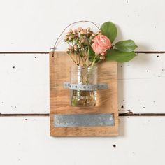 Our Hanging Mason Jar on Cedar Wood is perfect for holding florals, tealight candles or leave them completely empty. The hanging mason jar adds a fun element of