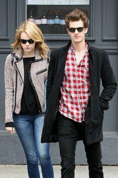 Emma Stone & Andrew Garfield in classic Rayban wayfarers