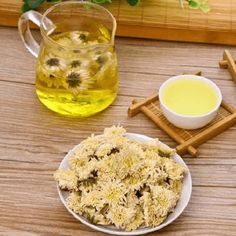 Eight Treasures Chrysanthemum Tea traditional medicines Chinese Medicine, Herbal Medicine, Chrysanthemum Tea, Heart Function, How To Relieve Headaches, Medicinal Plants, How To Increase Energy, Herbal Remedies, Raisin