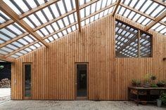 workshop architecten extrudes barn façade in the netherlands Workshop Architecture, Wood Architecture, Architecture Details, Barn Photography, Contemporary Barn, Tropical Architecture, Barn Wood, House Ideas, House Design