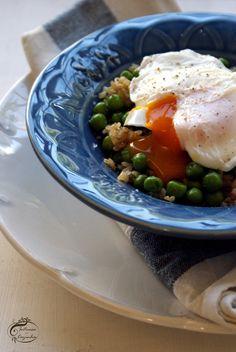 Intrusa na Cozinha - Arroz Integral com Ervilhas e Ovo Escalfado  // Brown Rice with Peas and Poached Egg
