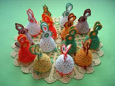 World of hobbies: Easter bunnies (crochet)