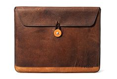 VINTAGE LOOKING IPAD COVER | BY FOSSIL. distressed leather, gorgeous patina, $40