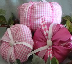 Fall Fabric Pumpkin Set in pink gingham Gingham Fabric, Pink Gingham, Pink Halloween, Vintage Halloween, Small Pumpkins, Fabric Pumpkins, Shabby Vintage, Pink Satin, Pretty In Pink