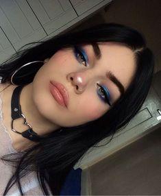 Pinterest: DEBORAHPRAHA ♥️ blue eyeshadow and black #eyeliner makeup