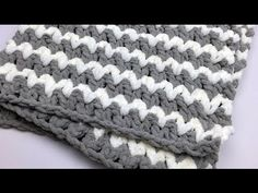 Trendy Baby Crochet Blanket Tutorial (Enlarge the pattern for bigger projects... Deb)