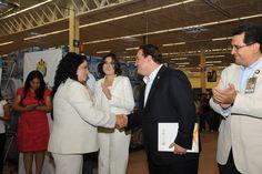 El mandatario estatal inauguró las Unidades de Walmart y Sam's en Veracruz.