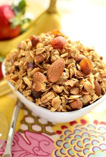 Healthy Homemade Almond Maple Granola Recipe! It's easy, and also gluten-free! http://blog.movemefit.com/1/post/2014/02/healthy-homemade-almond-maple-gluten-free-granola-recipe.html