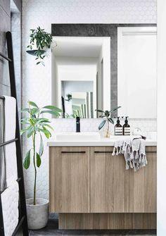 A modern Scandinavian-style home in Melbourne | Home Beautiful Magazine Australia Scandinavian Style Home, Scandinavian Bathroom, Nordic Home, Scandinavian Interior Design, Scandi Style, Interior Design Courses, Interior Design Awards, Master Bath Remodel, Bathroom Inspiration