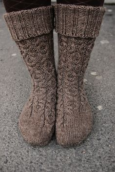"""stitcherywitchery: """"XOXO socks – a free knitting pattern by Anna Johanna. Instructions available in English and in Finnish. """""""