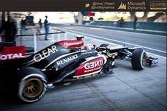Fantastyczne tapety z bolidami Formuły F1®  do pobrania za darmo! Wystarczy, że klikniesz w to zdjęcie i przejdziesz na naszą stronę www:) #F1 #race #wyscigi #FormulaF1