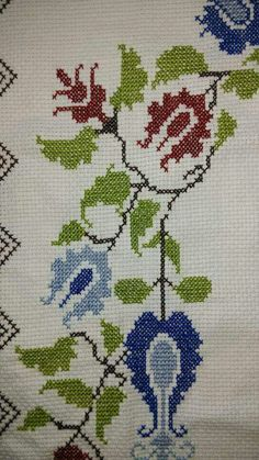 Art Nouveau Pattern, Prayer Rug, Ikat, Cross Stitch Embroidery, Diy And Crafts, Alphabet, Kids Rugs, Miniatures, Crochet