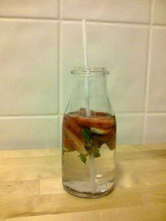 Agua com sabor a morango