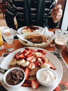 lauren🦋 dm me for pic credits! Think Food, I Love Food, Good Food, Yummy Food, Tasty, Comida Disney, Food Goals, Snacks, Aesthetic Food