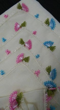 This post was discovered by Şe Needle Lace, Lace Making, Cross Stitch Flowers, Tatting, Needlework, Diy And Crafts, Sewing, How To Make, Handmade