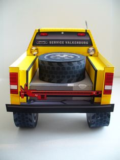 Rally Truck paper model: 4×4 Service Valkenburg (Free Model)