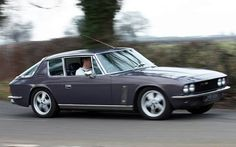 Jensen interceptor. This car debuted in the 60's and still looks fantastic. New Sports Cars, Sport Cars, Classic Car Show, Classic Cars, Jensen Interceptor, Vintage Cars, Cool Cars, Automobile, Small Company