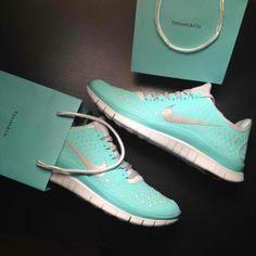 Tiffany blue nikes...i want these,love the color, tiffany free runs, do you?
