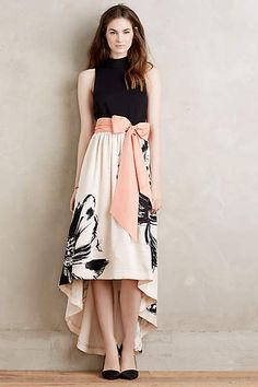 NWT Anthropologie Sumi Mockneck Floral Gown by Moulinette Soeurs Dress Sz 4 Moda Fashion, Womens Fashion, Dress Outfits, Fashion Dresses, Moda Chic, Floral Gown, New Arrival Dress, Mode Inspiration, Fall Dresses