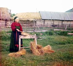 Woman breaking flax, Perm province (Produkin-Gorskii Collection/wikipedia)