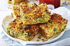 Cheesy bacon and veggie slice. This cheesy slice keeps well making it the perfect cook-ahead lunch box filler. Serve it alongside a fresh autumn salad and you'll have a meal that is not only delicious, but quick and easy to make, too! Lunch Recipes, Dinner Recipes, Cooking Recipes, Healthy Recipes, Cuban Recipes, Dinner Dishes, Easy Cooking, Beef Recipes, Yummy Recipes